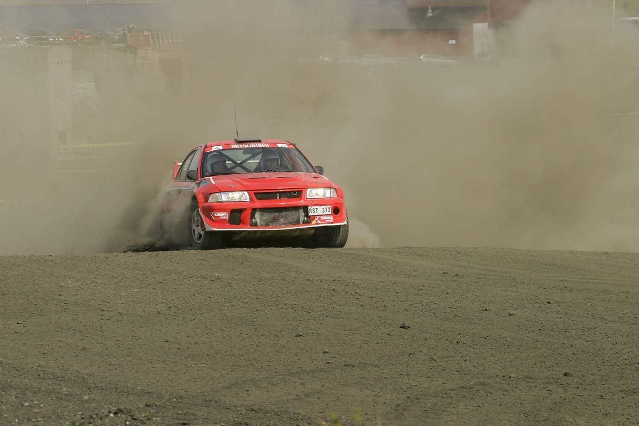 voiture rallye pièces équipements